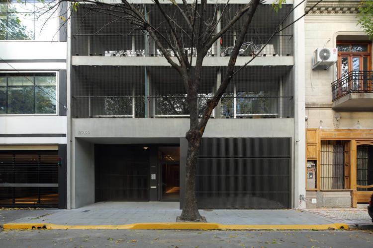 Edificio 3DF 2760  / KLM Arquitectos + Proyecto C Arquitectos, © Gustavo Sosa Pinilla