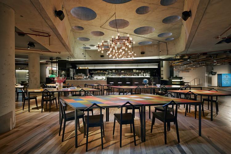 Ganador: Hotel Hotel Lobby and Nishi Grand Stair Interior / March Studio. Imagen cortesía de March Studio