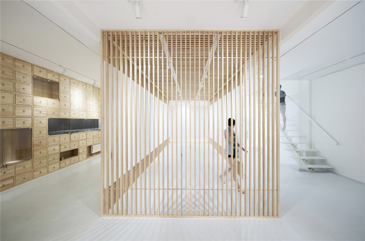 Folding Screen, Rongbaozhai Western Art Gallery / ARCHSTUDIO, © Wang Ning