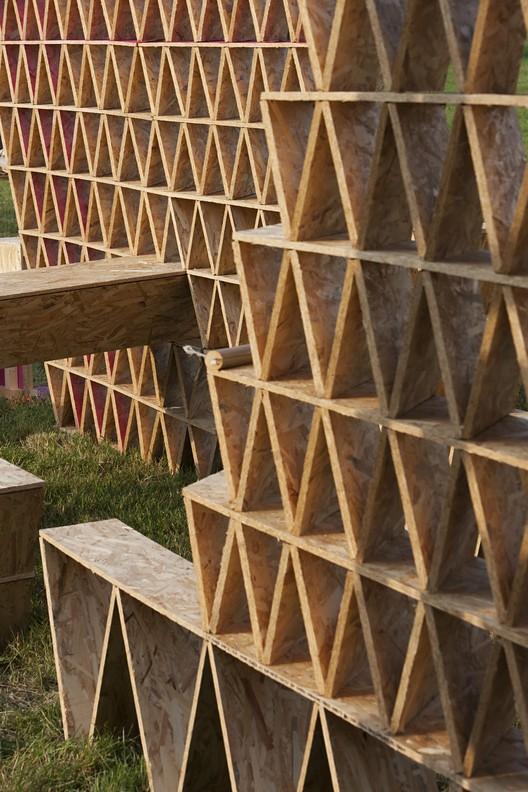 Cohesive Fence . Image © Tamás Bujnovszky