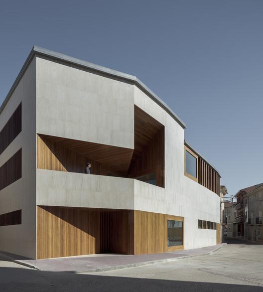 Escatrón Town Hall / Magén Arquitectos, © Pedro Pegenaute