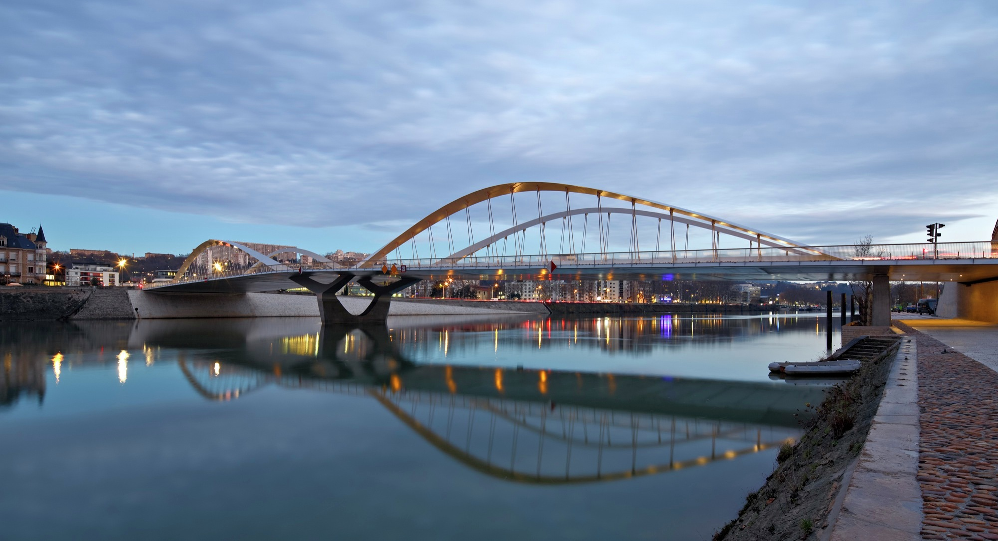 Schuman Bridge / Explorations Architecture | ArchDaily