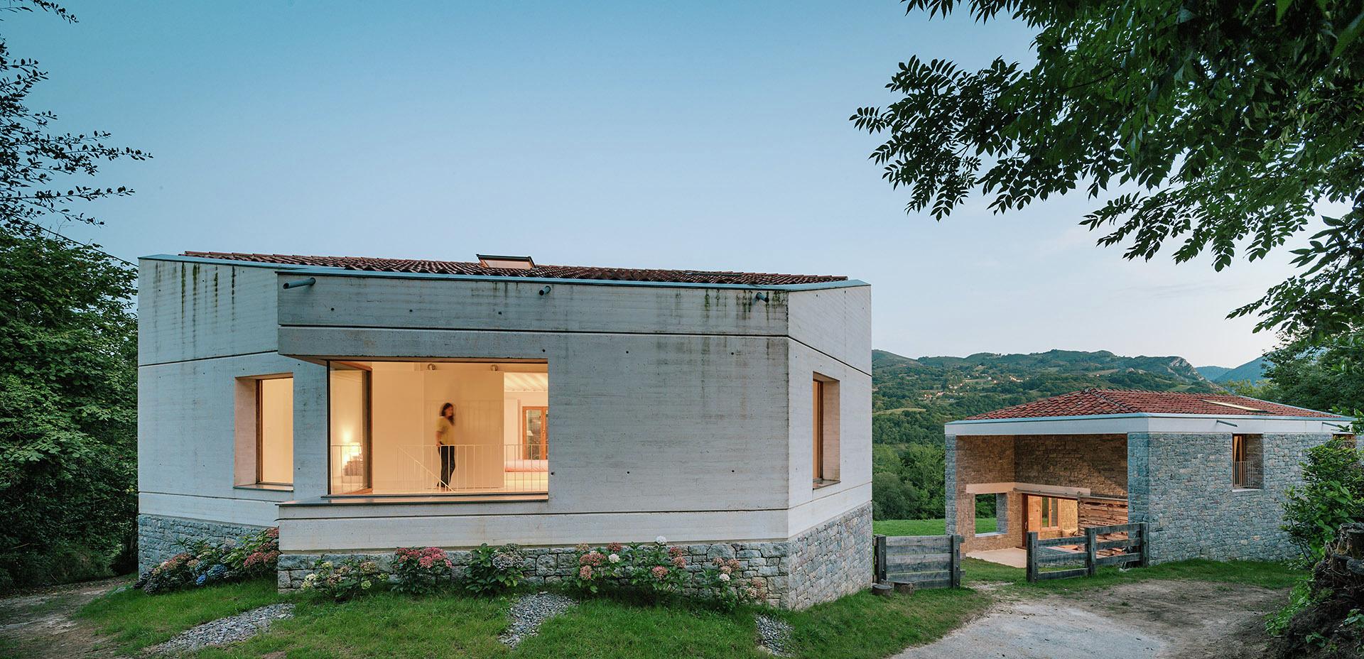 Tmolo house pyo arquitectos archdaily for Casa de arquitectos