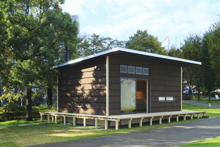 A cork hut by Jasper Morrison. Image Courtesy of MUJI