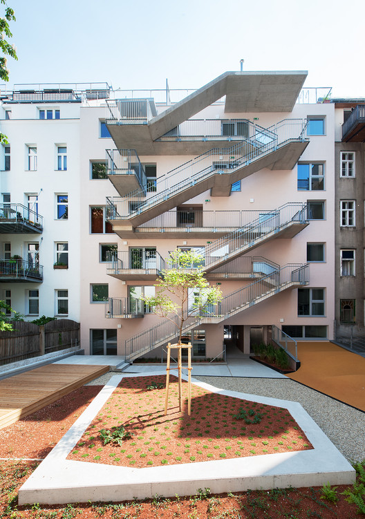 Apartment House on Beckmanngasse / Nerma Linsberger, © Andreas Buchberger