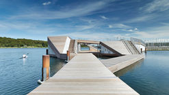 Club de Kayak Flotante / FORCE4 Architects
