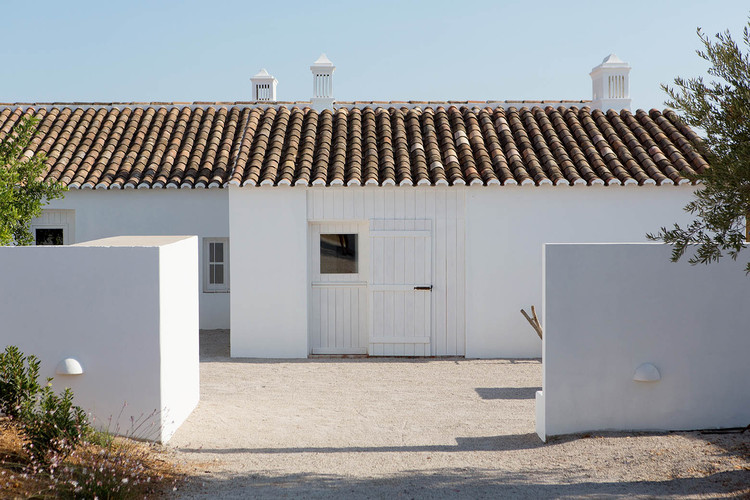 Pensão Agricola / atelier Rua, © Miguel Manso