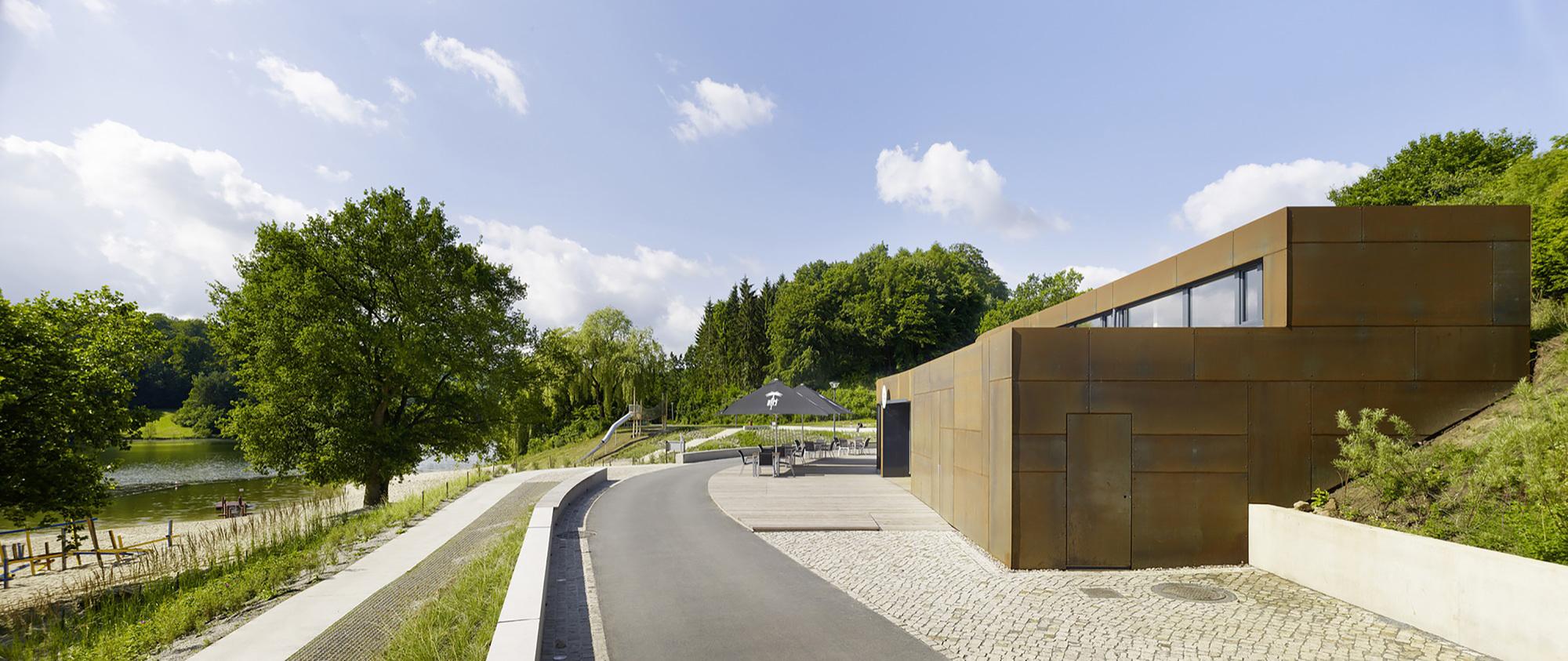 Galeria de Banheiro Público / Müntinga   Puy Architekten 5 #505918 2000 843
