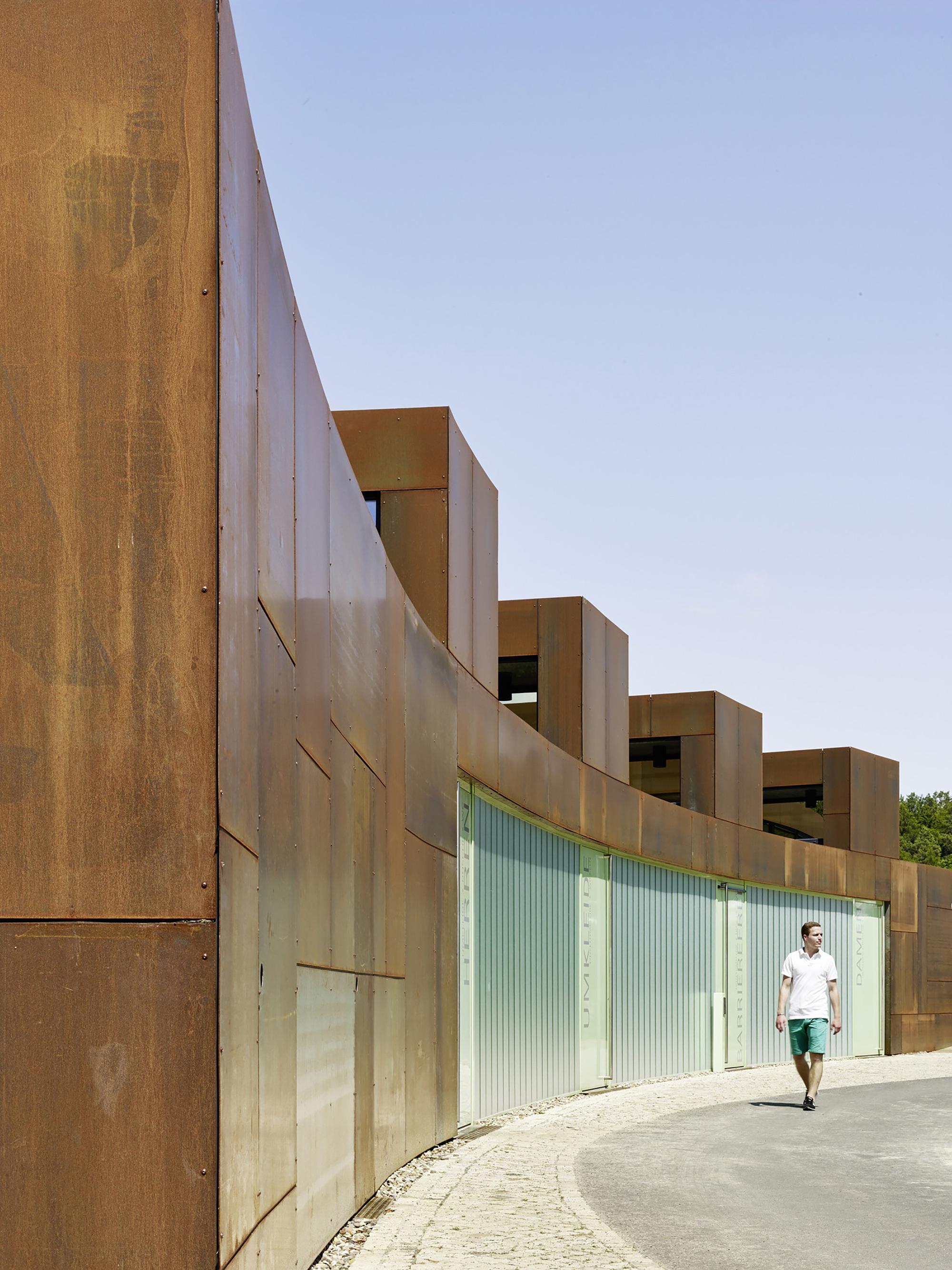 Galeria de Banheiro Público / Müntinga   Puy Architekten 1 #3C5C8F 2000 2667