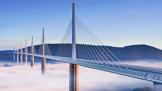 Millau Viaduct, France / Foster + Partners. Image via Foster + Partners