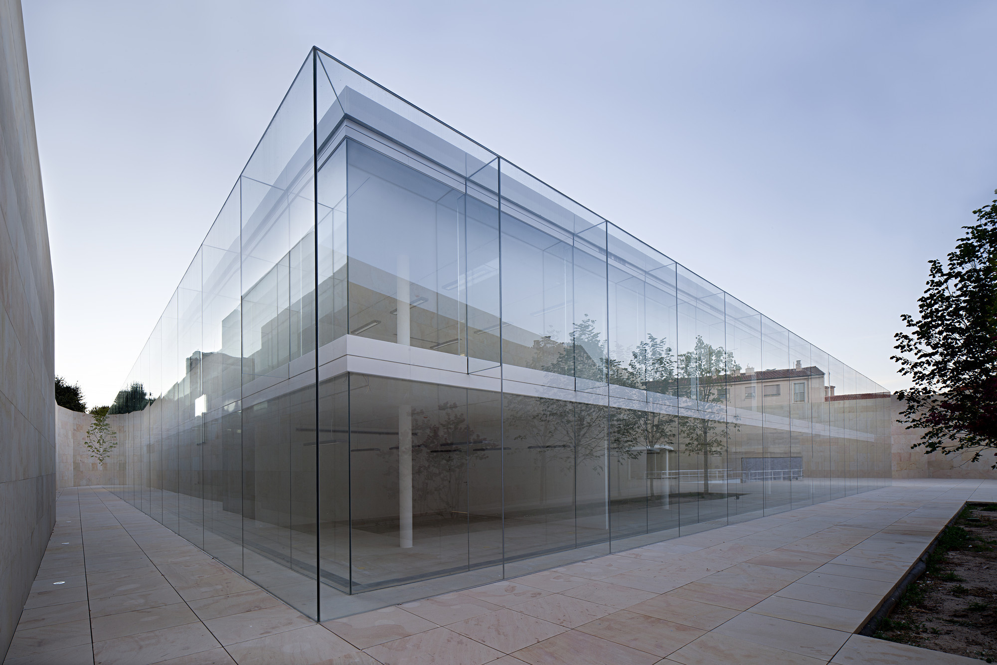Alberto campo baeza wins 2015 bigmat international architecture award archd - Toile de verre skinglass ...