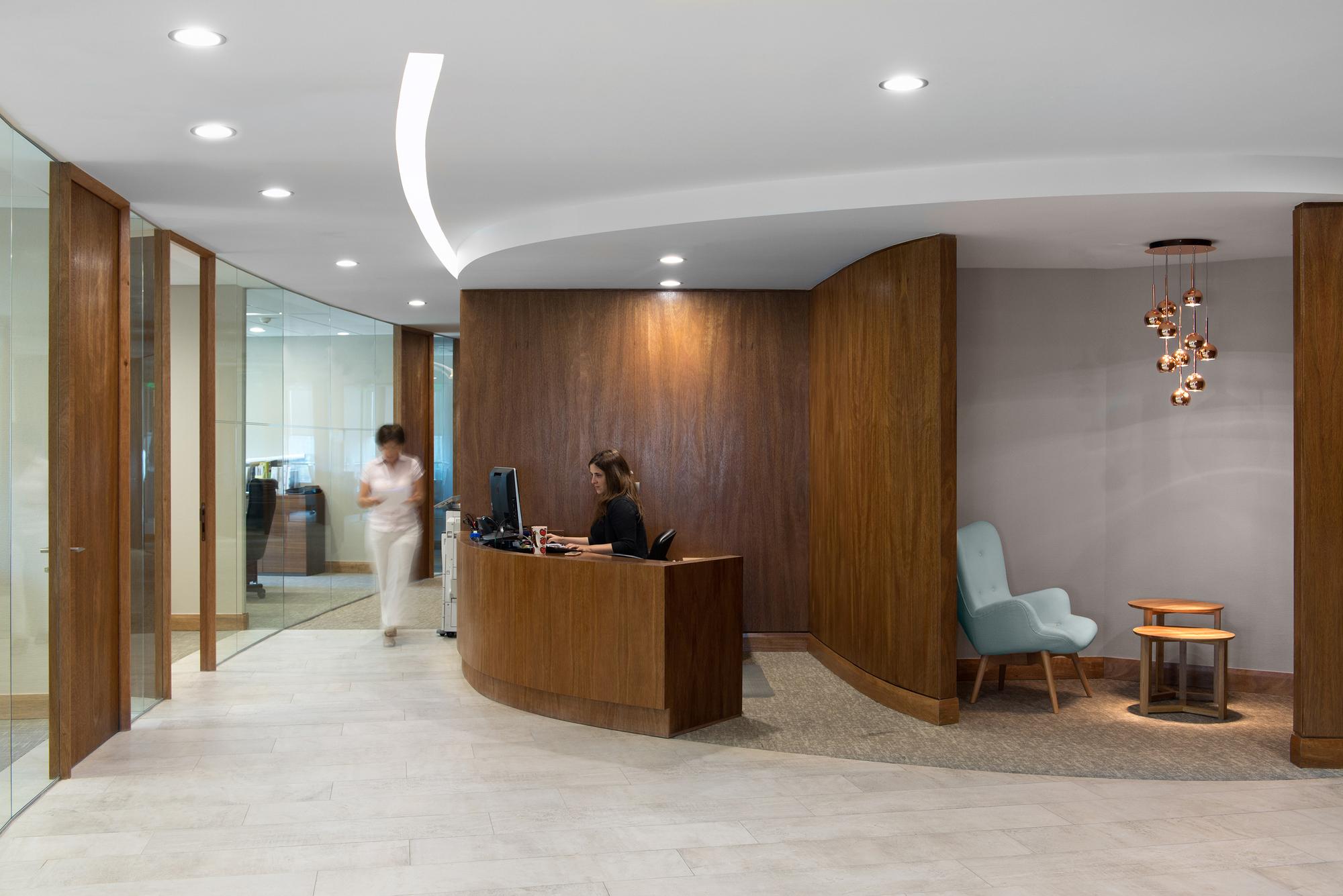 interiorismo oficinas piso 17 parque titanium marsino