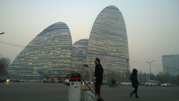 Chinese Artist Makes Bricks from Beijing's Smog, Day 98. Image via Quartz / Supplied by Nut Brother