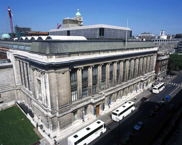 5 Shortlisted to Redesign the Entrance of London's Science Museum, © Flickr CC User Science Museum London