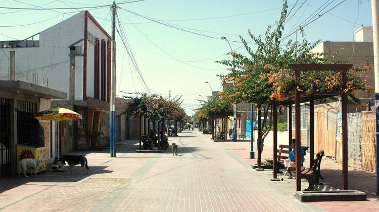 Av. San Martin. Pisco Pueblo 2015. Image Cortesía de Cerasil Rangel Mungi
