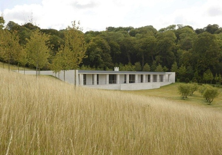 "David Chipperfield Selected as Mentor for Rolex Arts Initiative, David Chipperfield's ""radical"" English country house - winner of 2015 AR House Awards. Image © Rik Nys"