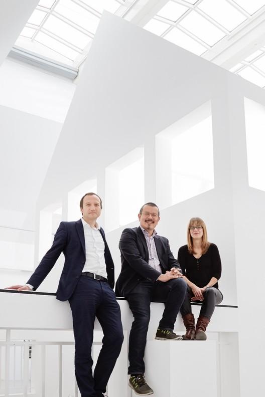 Equipo DAM (de izq a derecha): Oliver Elser, Peter Cachola Schmal, Anna Scheuermann. Imagen © Kirsten Bucher