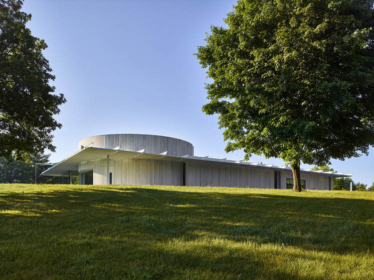 Monmouth Battlefield State Park Visitor Center / ikon.5 architects, © Jeffrey Totaro