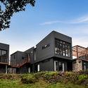 Casa Pavilhão / Alex Urena Design Studio