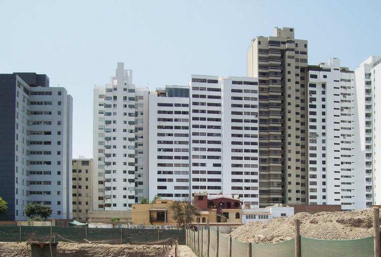 Crecimiento inmobiliario en San Isidro. Image © Fabio Rodríguez