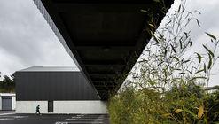 Edificio de Oficinas y Almacén Industrial Adémia / João Mendes Ribeiro