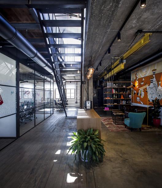 Apester & Cocycles Offices / Roy David Studio, © Yoav Gurin