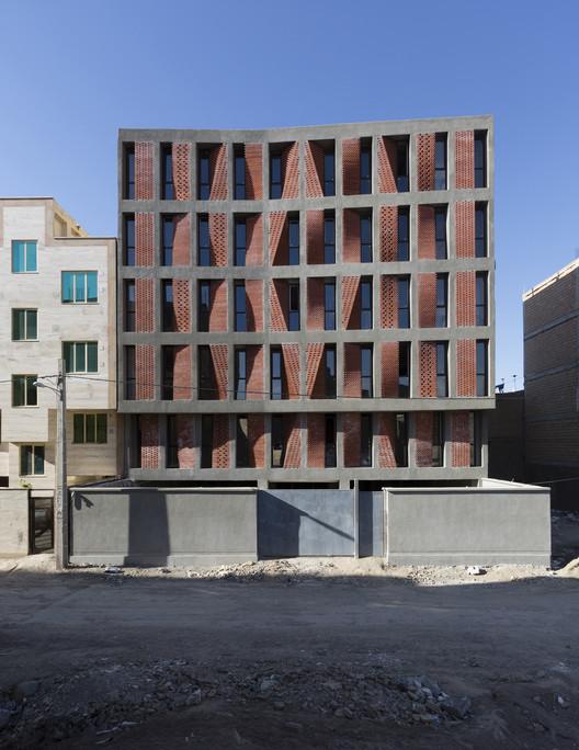 Building 01 / CAAT studio. Image © Parham Taghioff