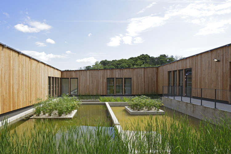 Ecole des Bartelottes à la Ville-du-Bois / NOMADE Architects, © Patrick Müller