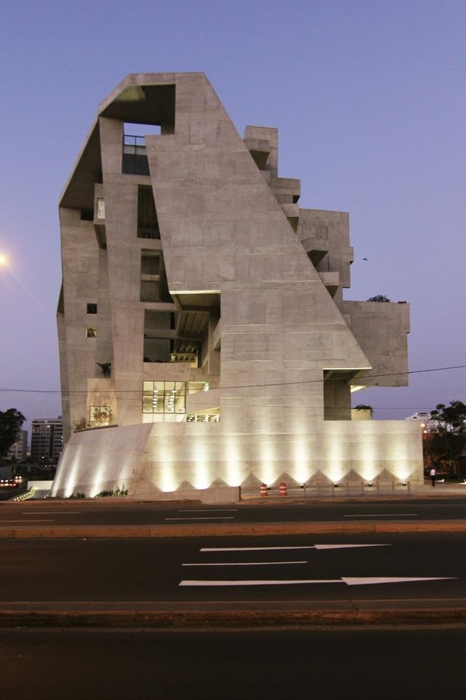Engineering and Technology University - UTEC / Grafton Architects + Shell Arquitectos