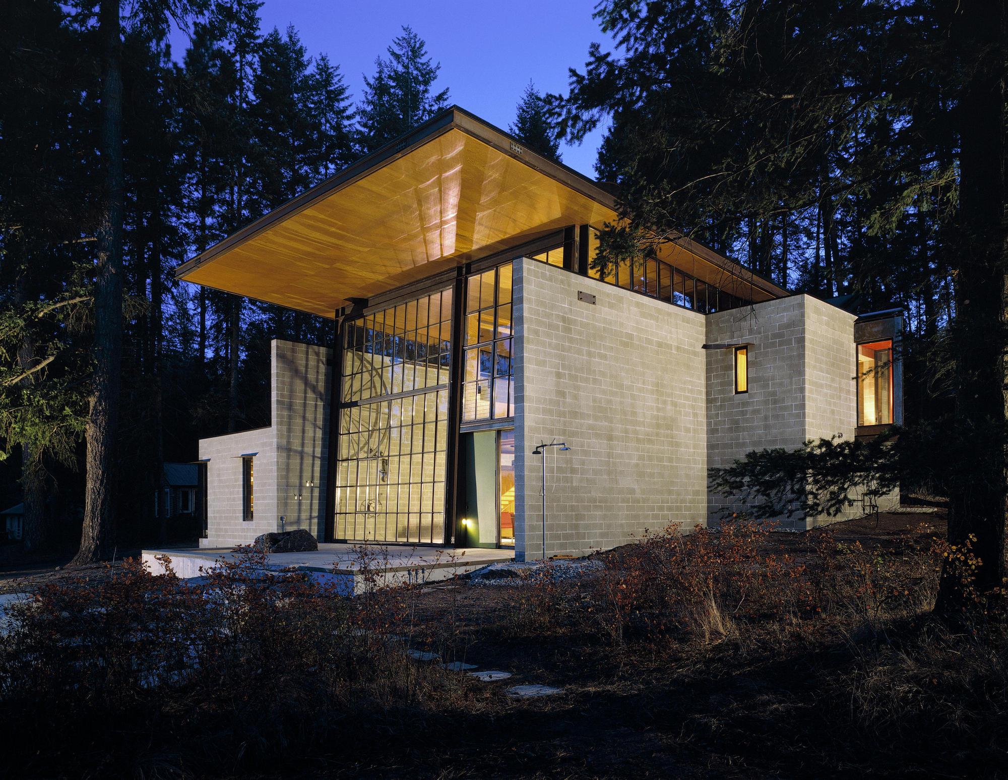 Gallery of Chicken Point Cabin / Olson Kundig - 2