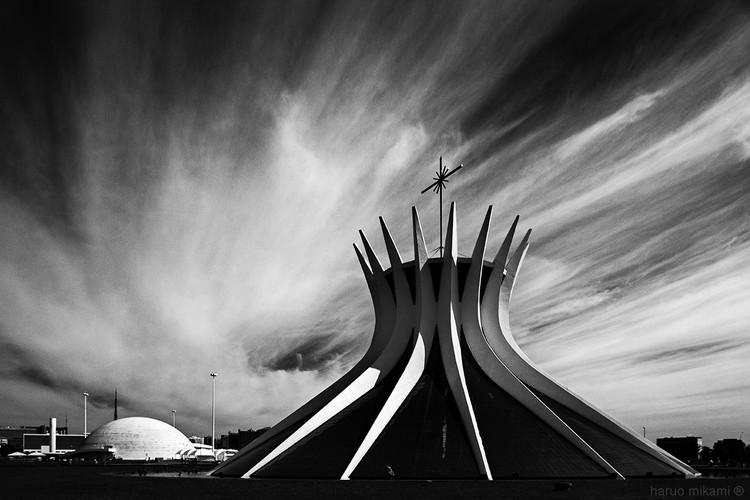 Catedral Metropolitana de Brasília. Imagen © Haruo Mikami