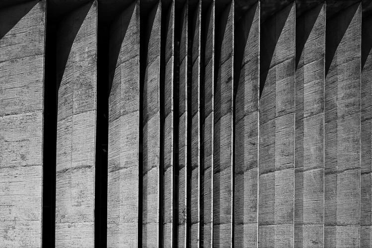 Brises do Palácio da Justiça. Imagen © Haruo Mikami