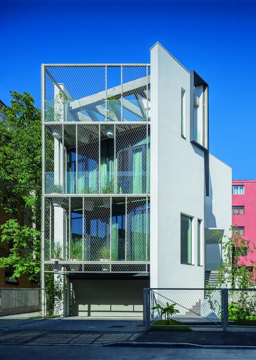 Urban Eco House / Tecon Architects, © Cosmin Dragomir