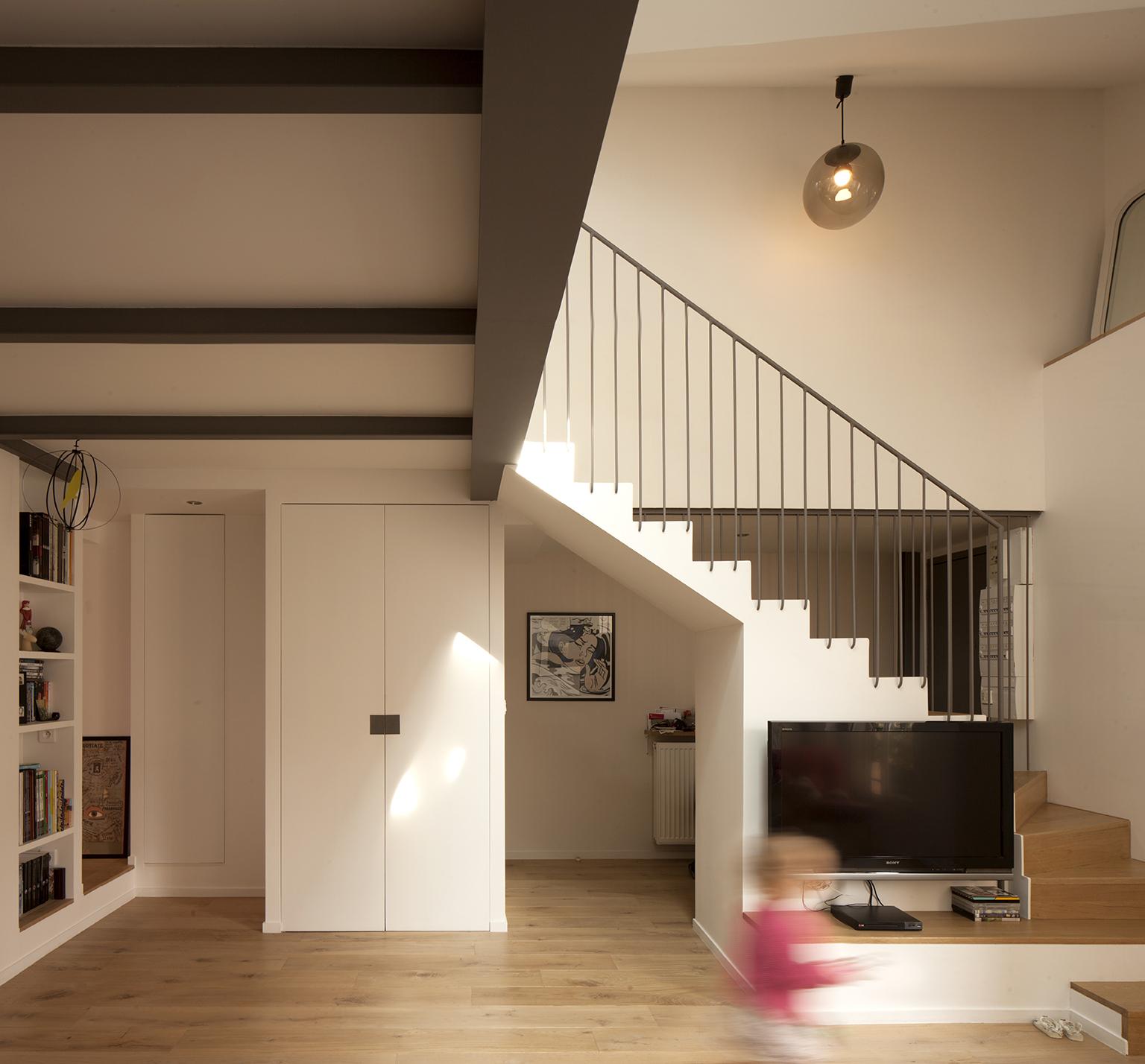 Gallery of duplex in saint mande cairos architecture et paysage 8 - Escalier milieu de piece ...