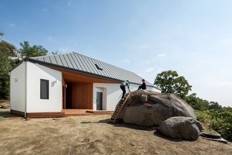 Rock House / B.U.S Architecture, © kyung Roh