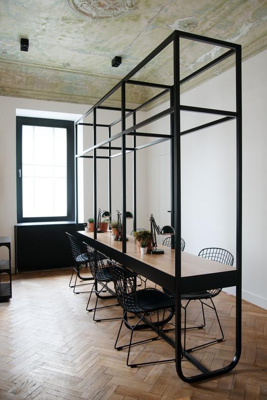 Salón de Belleza / Crosby Studios, © Gleb Leonov