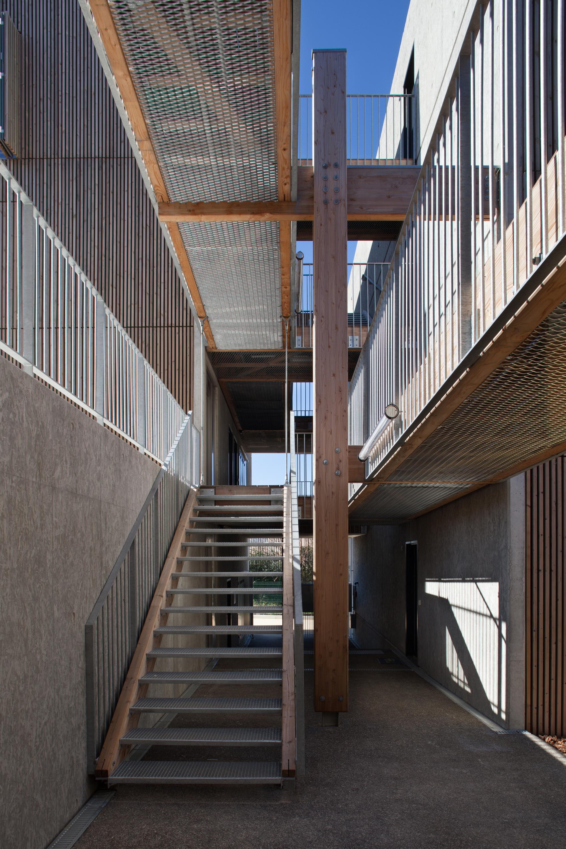gallery of social housing shops in mouans sartoux comte et vollenweider architectes 19. Black Bedroom Furniture Sets. Home Design Ideas