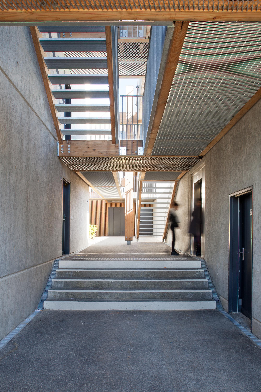 gallery of social housing shops in mouans sartoux comte et vollenweider architectes 37. Black Bedroom Furniture Sets. Home Design Ideas