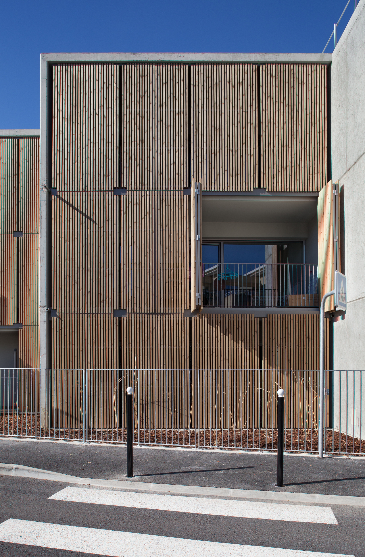gallery of social housing shops in mouans sartoux comte et vollenweider architectes 29. Black Bedroom Furniture Sets. Home Design Ideas