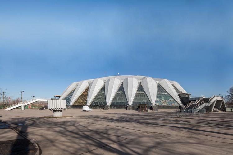 Estadio Multipropósito en Druzhba / Y. Bolshakov + I. Rozhin.  Imagen © Denis Esakov y Dmitry Vasilenko