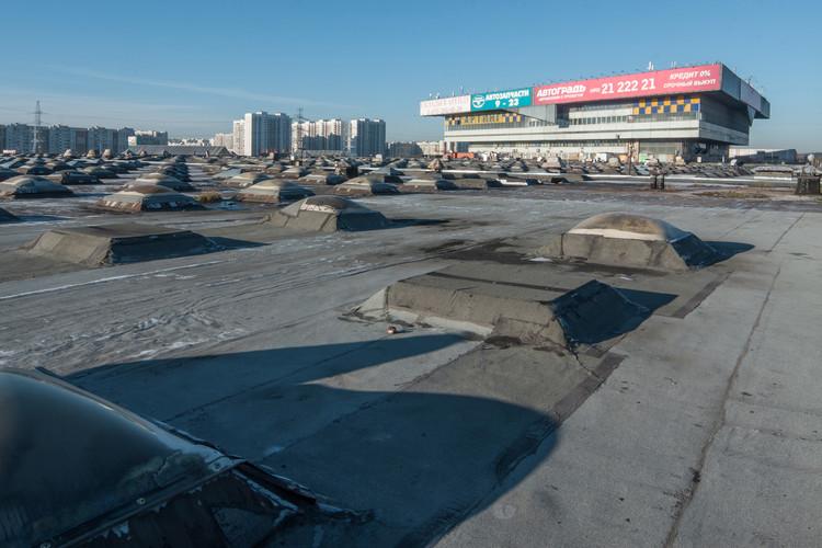 Centro de Autoservicio en la Autopista Warsaw / Leonid Pavlov.  Imagen © Denis Esakov y Dmitry Vasilenko