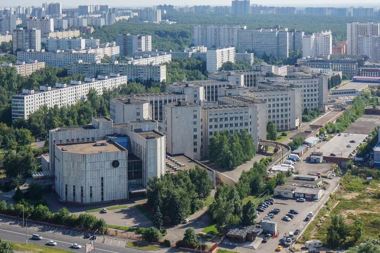 Instituto de Química Biorgánica / Yuri Platonov.  Imagen © Denis Esakov y Dmitry Vasilenko
