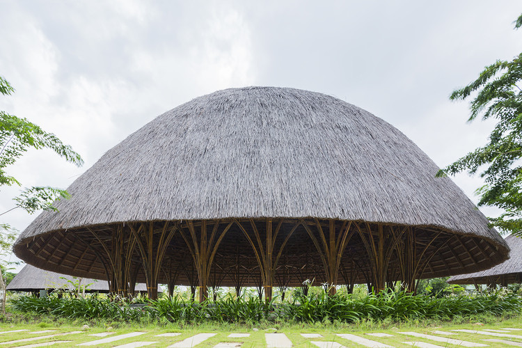 Diamond Island Community Center / Vo Trong Nghia Architects. Image © Hiroyuki Oki