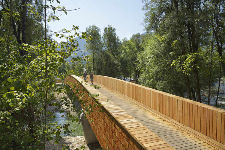 Bicycle Bridge Across the Sava River / dans arhitekti, © Miran Kambič