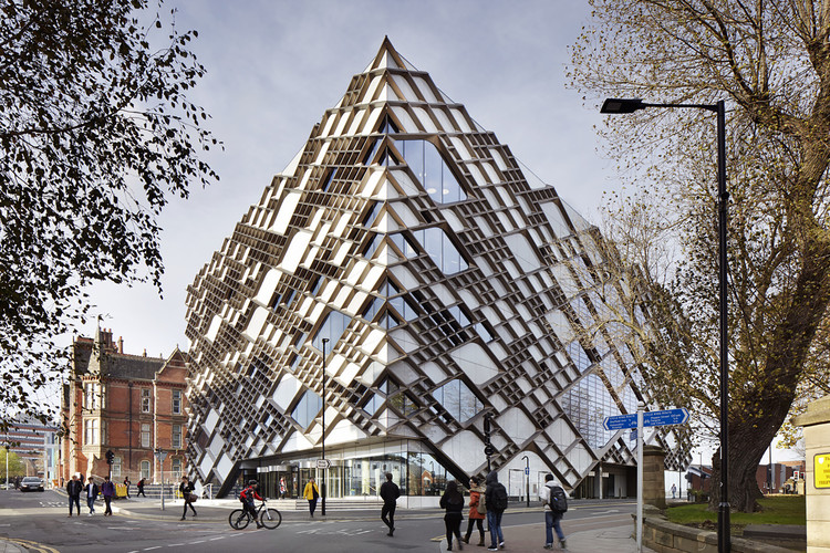 The Diamond  / Twelve Architects, © Jack Hobhouse