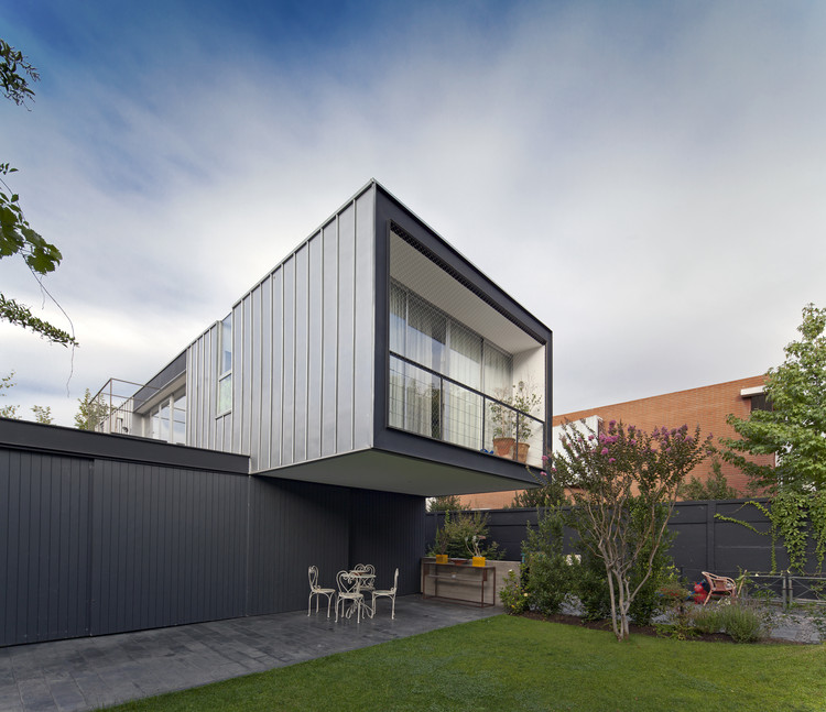 Casa Vitacura / Riesco+Rivera arquitectos, © Aryeh Kornfeld