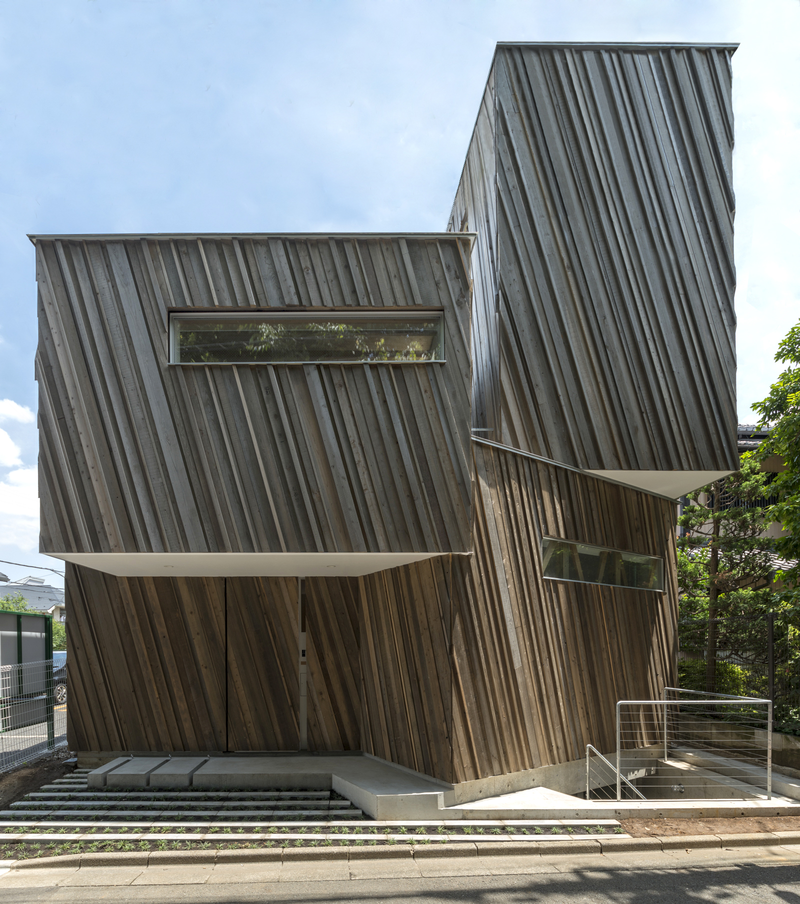 Kyodo house sandwich team low energy archdaily