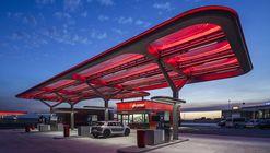 Estación de Servicio CEPSA / Saffron Brand Consultants  + Malka+Portús arquitectos