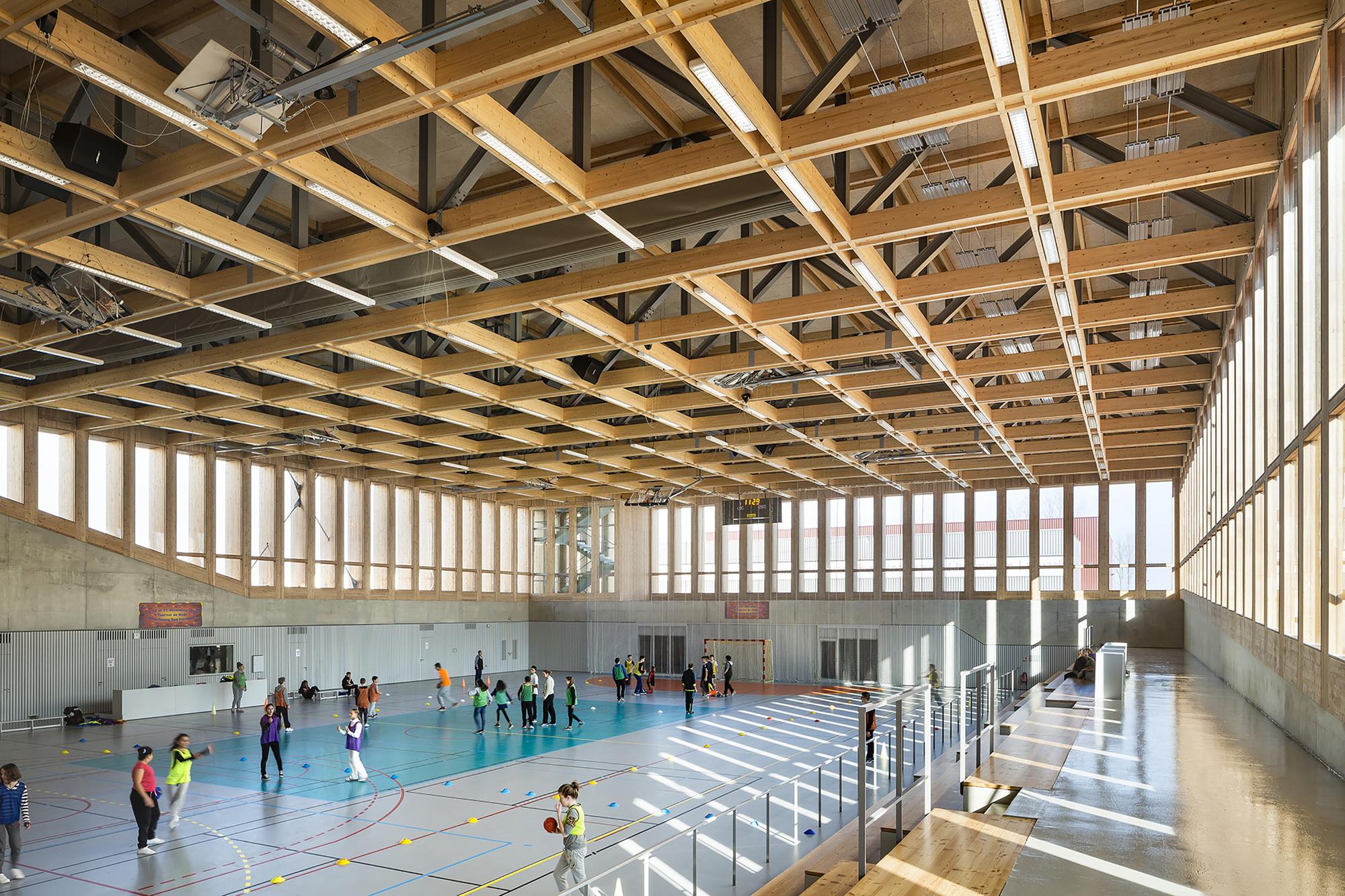 Gallery Of Sports Center In Neudorf Atelier Z 252 Ndel