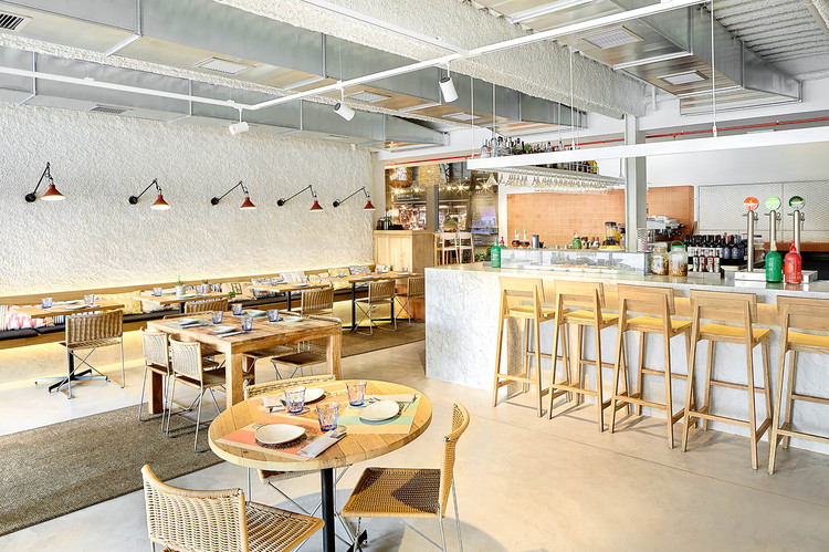Restaurante caballa canalla mesura plataforma arquitectura for Restaurante arquitectura